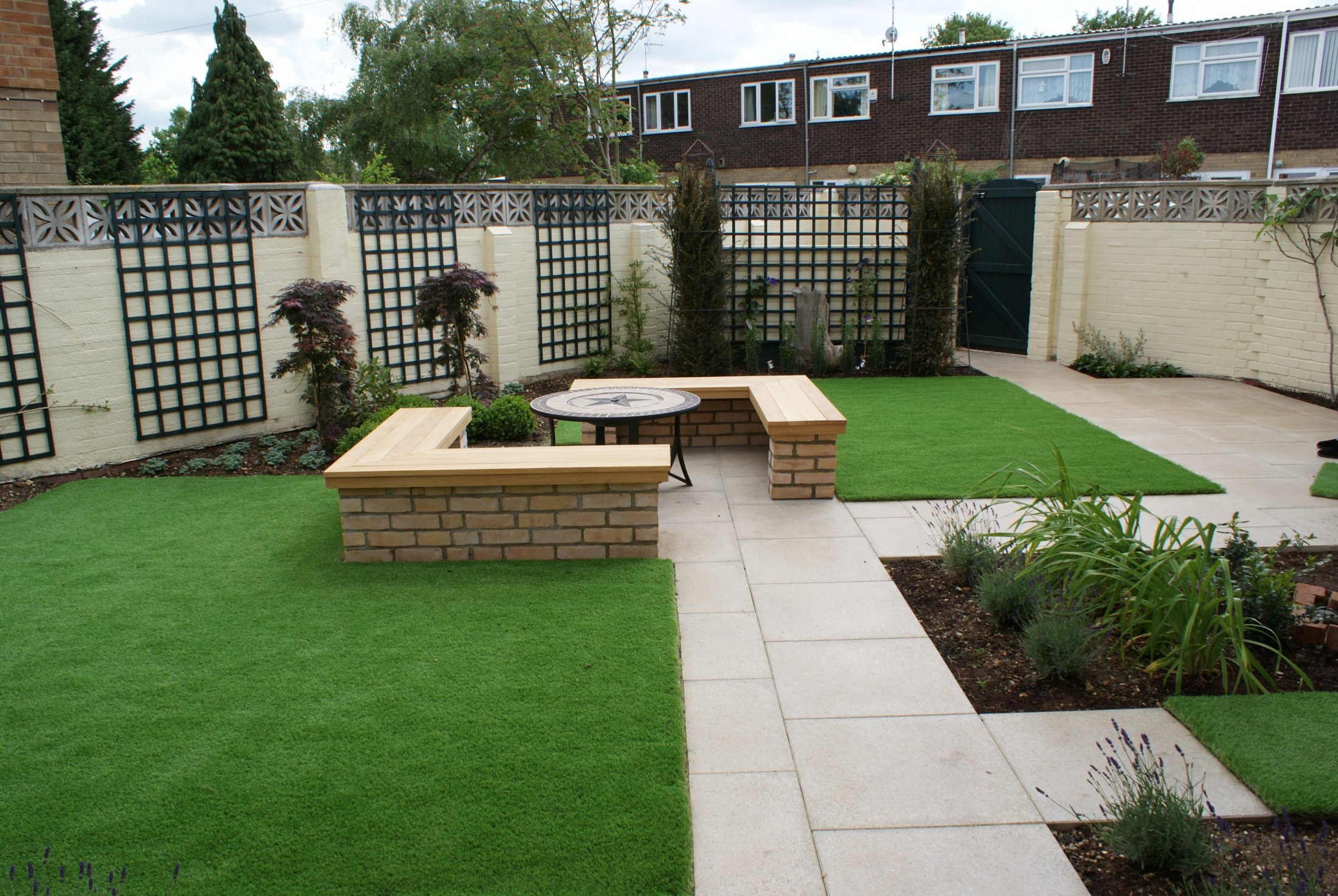 Low maintenance garden in central Cambridge