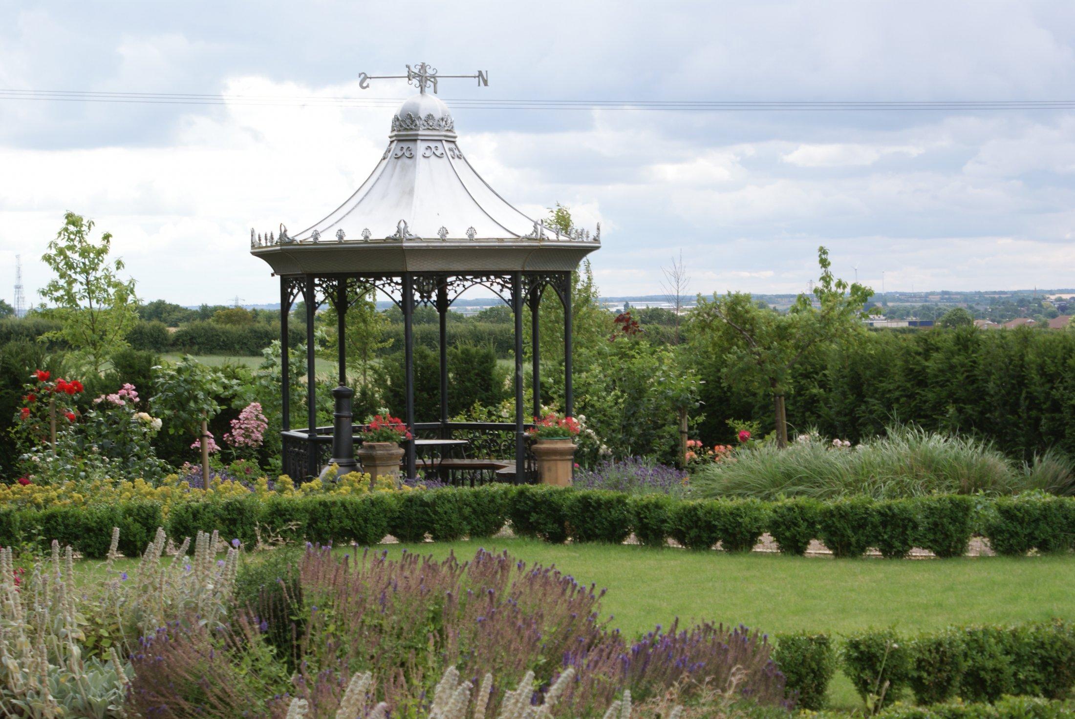 Formal garden design in Huntingdon, Cambridgeshire