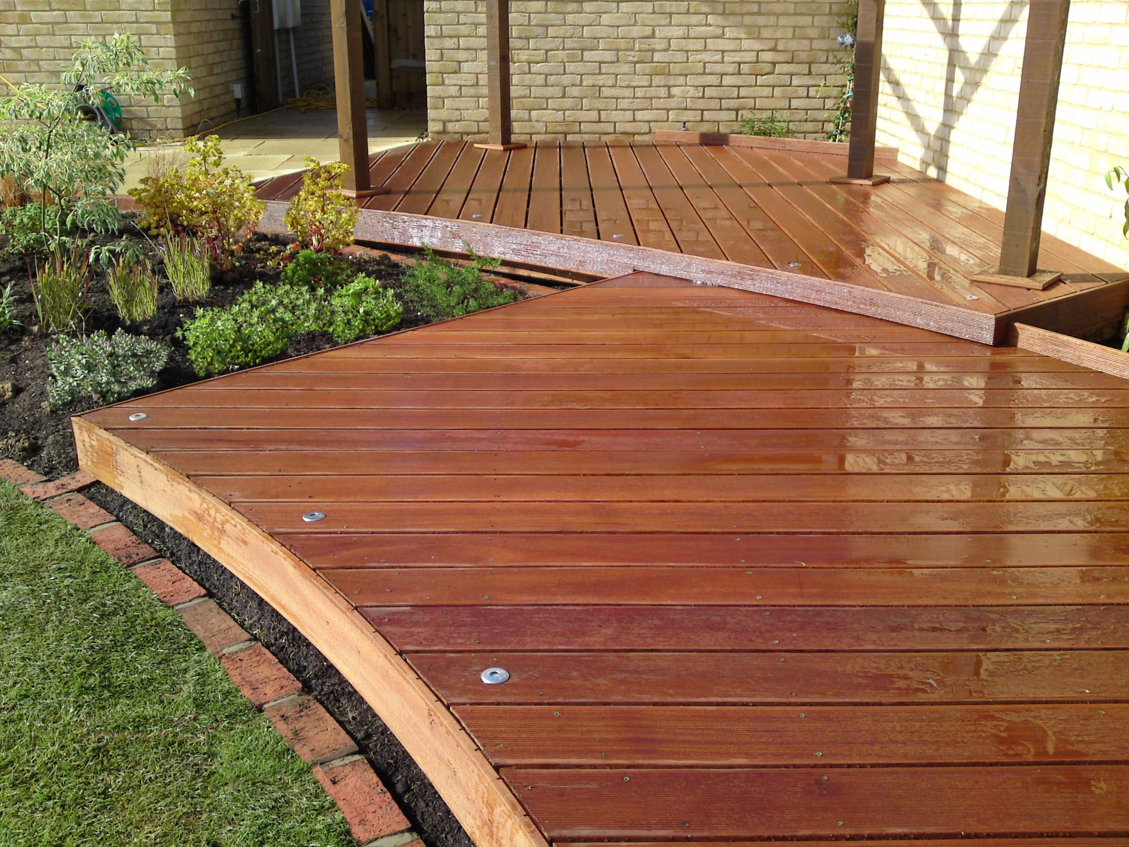 Decking design with integrated lights