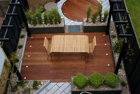 Ultra modern hardwood and granite garden design