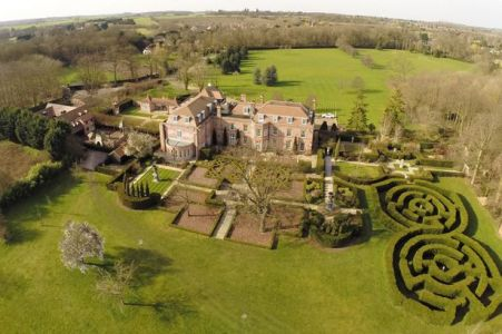 Formal garden design with maze at Rowneybury house