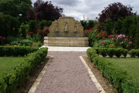 Classic vista in Huntingdon garden